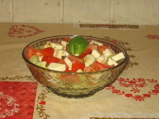 Sałatka z pomidorem i mozarellą