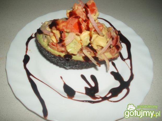 Sałatka z pomidorów i awokado