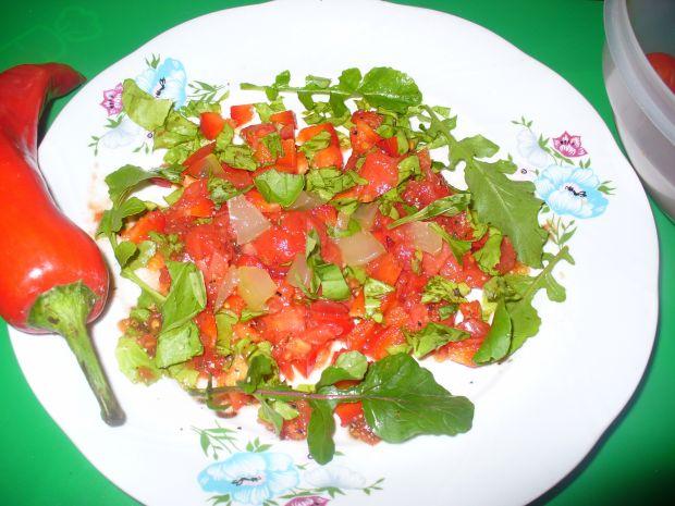 Sałatka z pomidorów i papryki