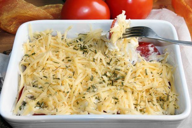 Sałatka z pomidorów pod serową pierzynką