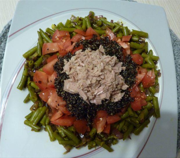 Przepis Salatka Z Quinoa Komosa Ryzowa Czarna Przepis Gotujmy Pl