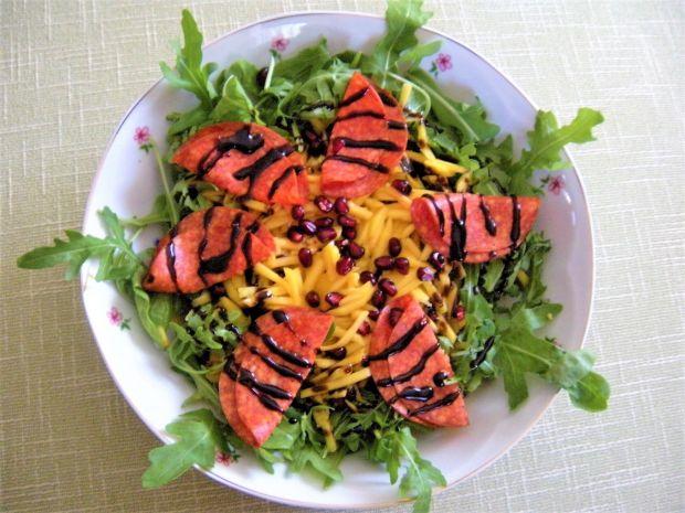 Sałatka z rukoli i salami pepperoni