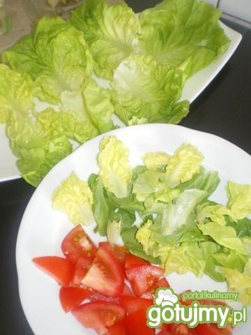Sałatka z ryżem, kurczakiem i pomidorem