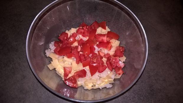 Sałatka z ryżem, serem i roszponką