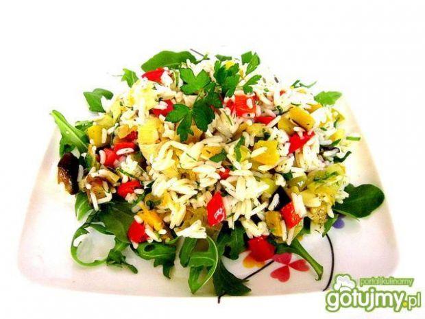 Sałatka z ryżu i  duszonych warzyw