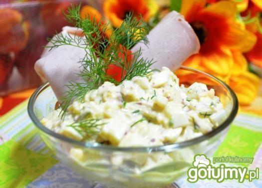 Sałatka z rzodkiewek, jajek i koperku