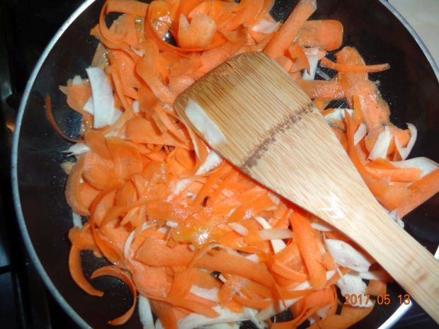 Sałatka z sosem kaparowym