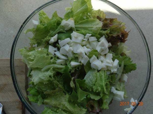Sałatka z sosem słodko - kwaśnym