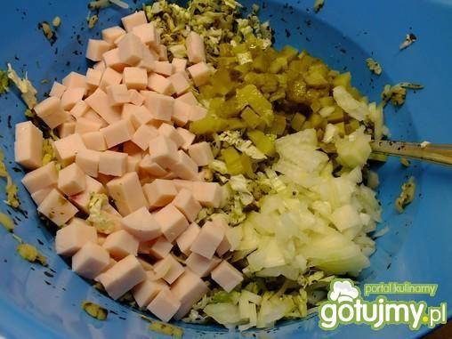 Sałatka z szynką na zielona