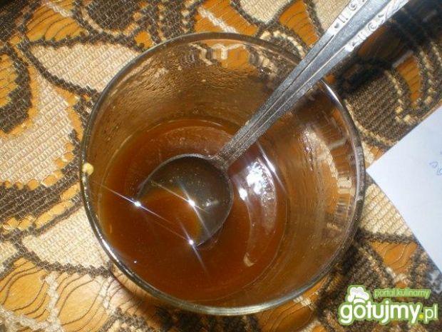 Sałatka z truskawkami, ogórkiem i fetą