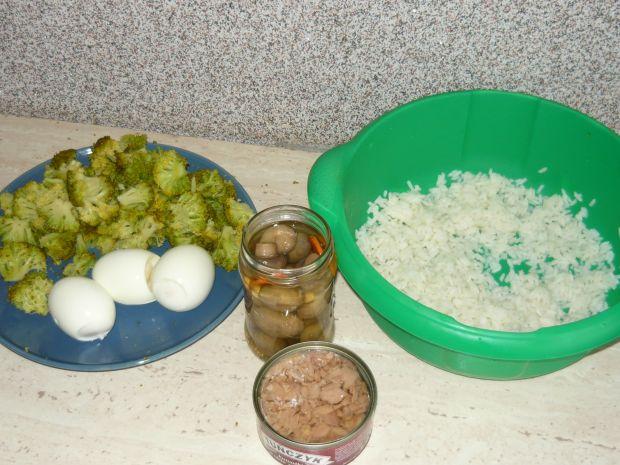 Sałatka z tuńczyka i brokuła
