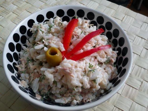 sałatka z tunczyka z koperkiem