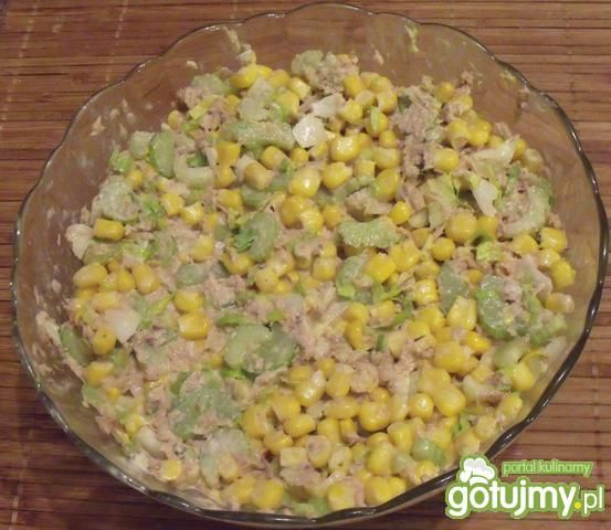 Przepis Salatka Z Tunczykiem I Kukurydza Przepis Gotujmy Pl