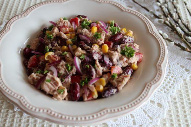 Sałatka z tuńczykiem w meksykańskim stylu