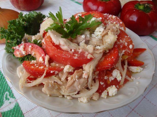 Sałatka z wędzoną makrelą