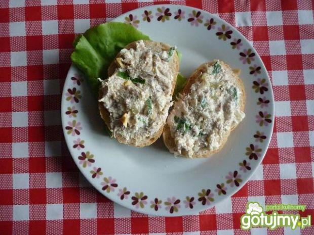 Sałatka z wędzonej ryby