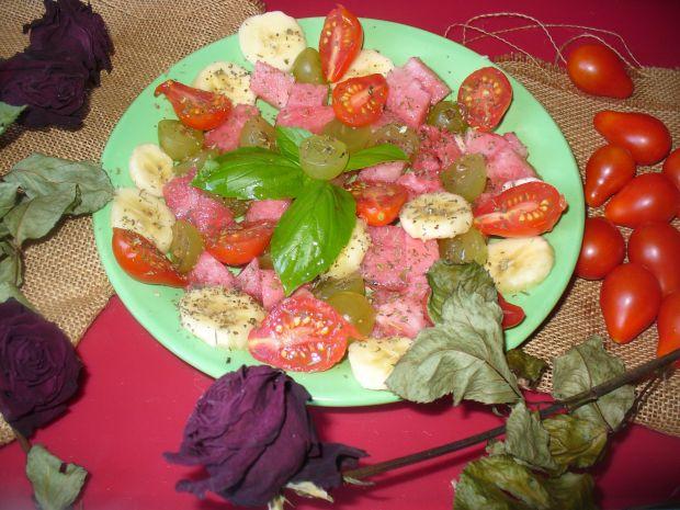 Salatka z winogronem i arbuzem - owocowa