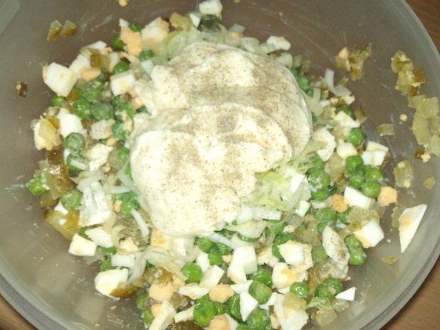 Sałatka z zielonym groszkiem