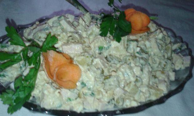 Sałatka z ziemniakami wieleskładnikowa