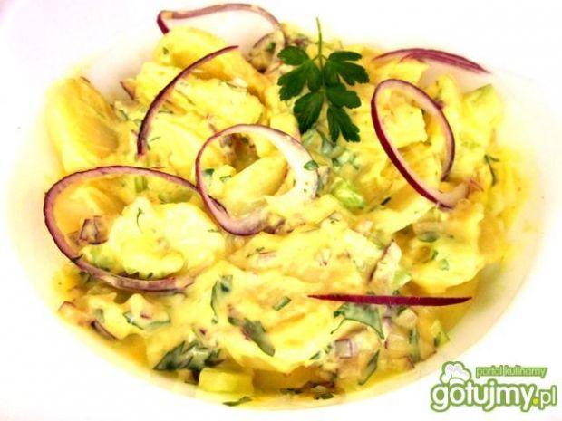 Sałatka z ziemniaków,ogórka i selera