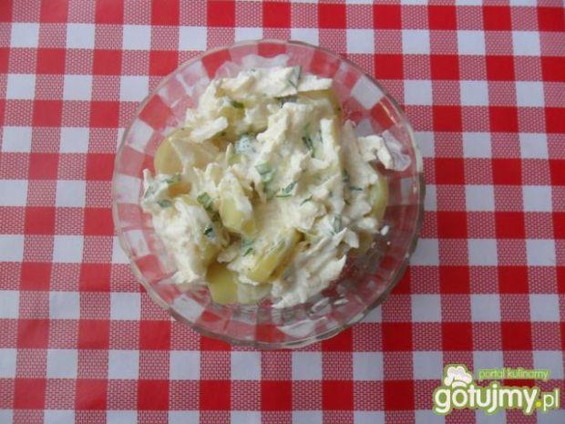 Sałatka z ziemniaków z jogurtem