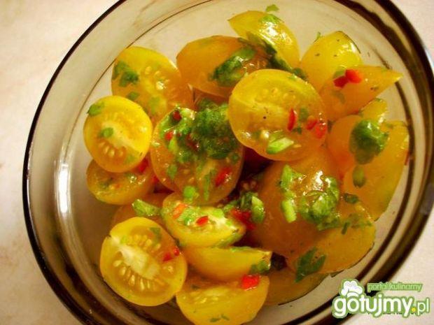 Sałatka z żółtych pomidorków