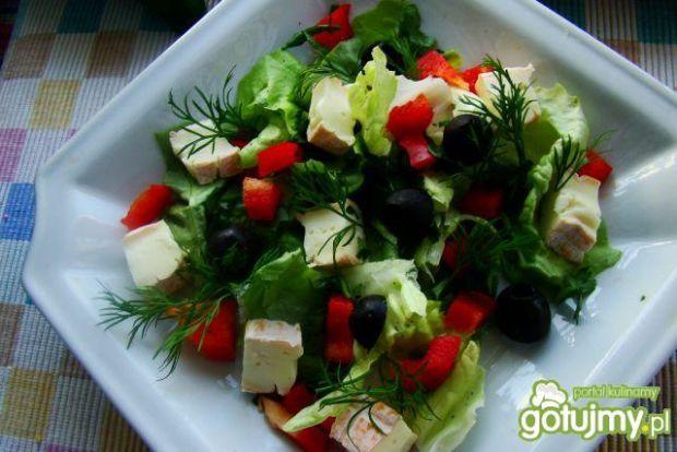 Sałatka zdrowa z koperkiem i serem