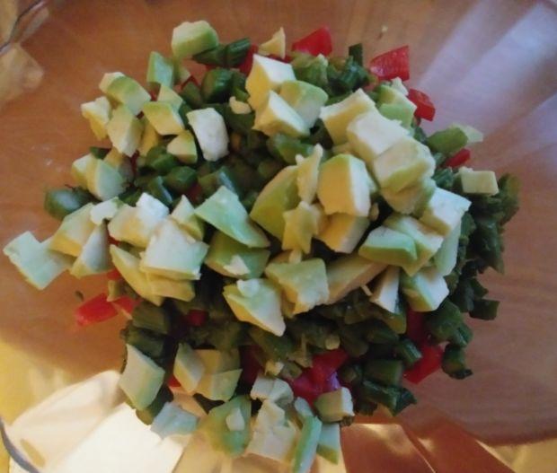 Sałatka ze szparagami z nutą azjatycką