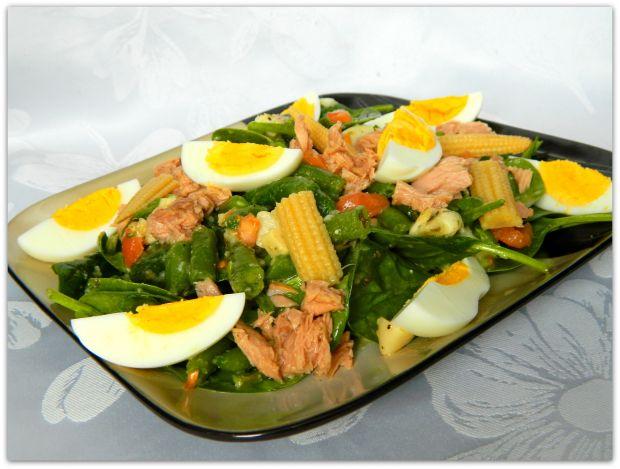 Sałatka ze szpinakiem i tuńczykiem