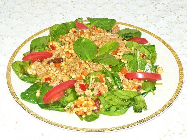 Sałatka ze szpinaku i tuńczyka