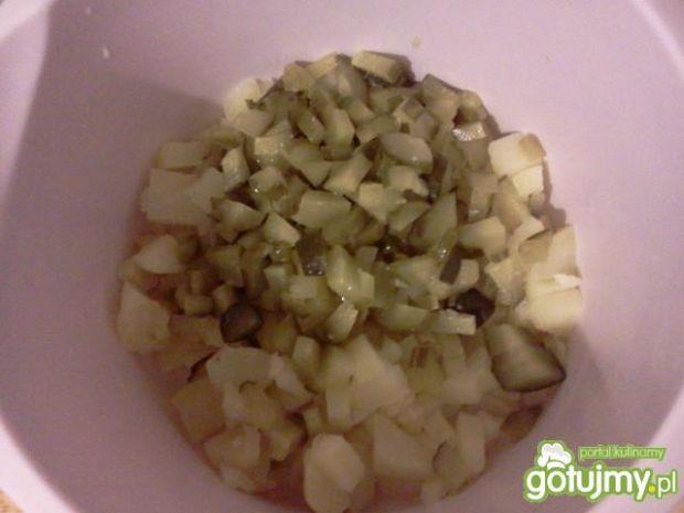 Sałatka ziemniaczana z czerwoną fasolą