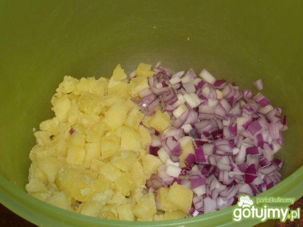 Sałatka ziemniaczana z groszkiem