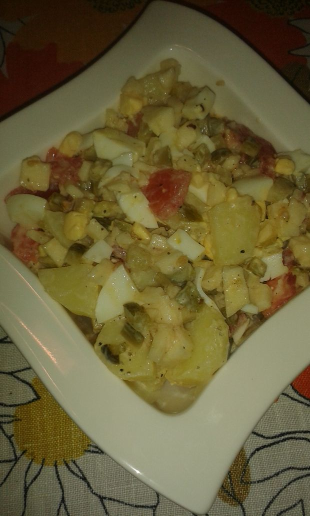 Sałatka ziemniaczana z pomidorami