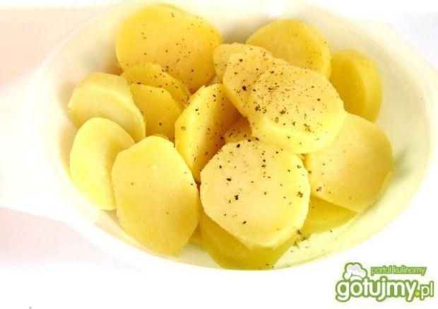 Sałatka ziemniaczana z sosem  kaparowym