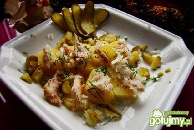 Sałatka ziemniaczana z wędzoną makrelą