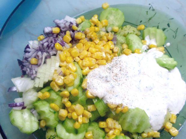 Sałatka ziemniaczana z zielonym ogórkiem