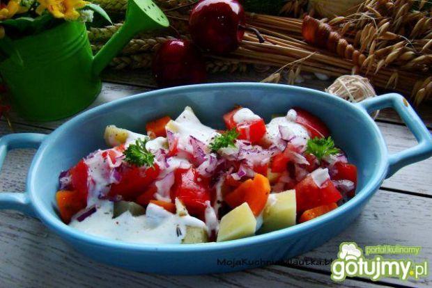 Sałatka ziemniaczano pomidorowa