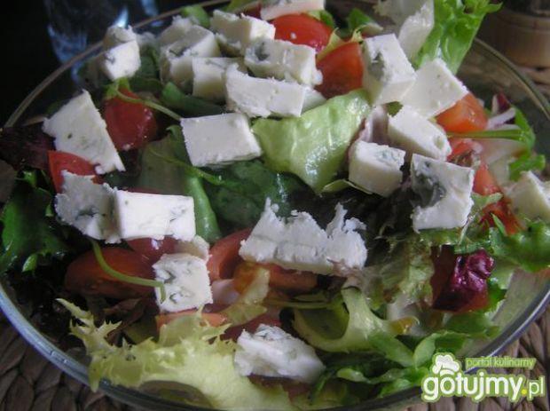 Salaty z serem pleśniowym