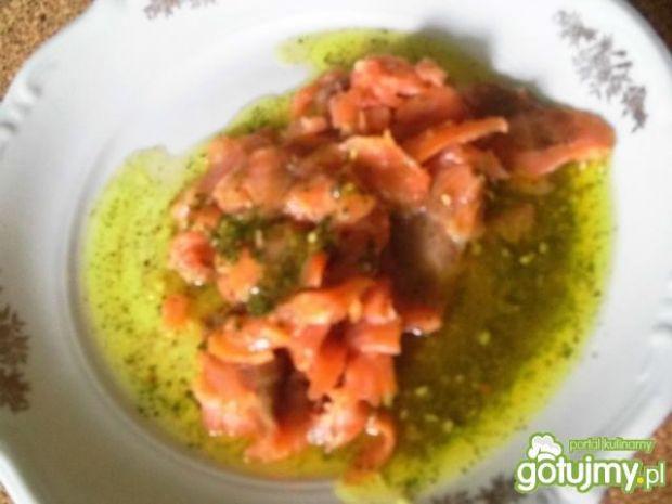 Sałtka z łososia w sosie włoskim