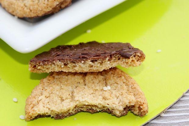 Sasanki - ciastka owsiane z sezamem w czekoladzie