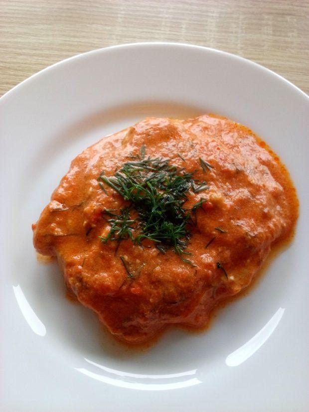 schab w sosie pomidorowo-śmietanowym z koperkiem
