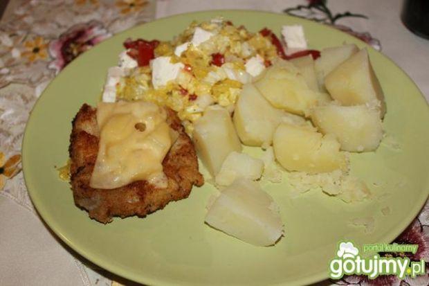 Schab z ananasen majonezem i serem