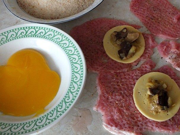 Schabowe kieszonki z serem i maślakami
