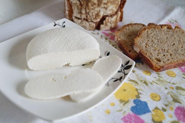 Ser z mleka krowiego a'la bundz
