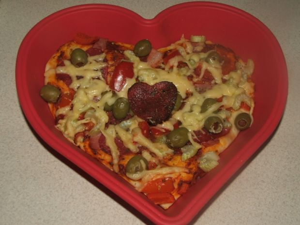 Serduszkowa pizza