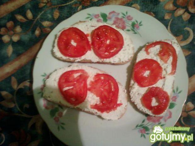 Serek z rzodkieweczką i pomidorkiem