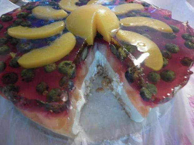 Serniczek na zimno pod brzoskwiniowym słoneczkiem