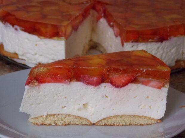 Serniczek z truskawkami na zimno