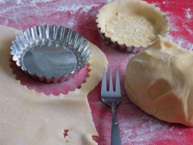 Serniczki w kruchych tartaletkach