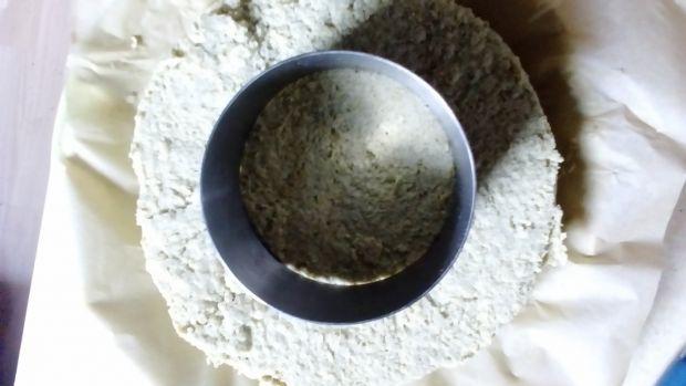 Sernik cappucino z musem wiśniowym